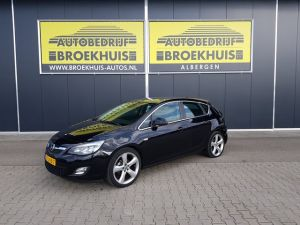 Schadeauto Opel Astra 1.4 Turbo Sport