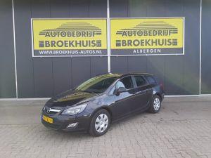 Schadeauto Opel Astra Sports Tourer 1.7 CDTi Business Edition