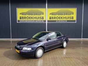 Schadeauto Audi A4 1.6