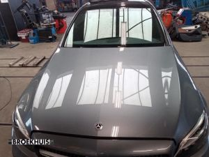 Mercedes C-Klasse Motorkap