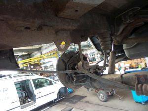 Dodge Ram Van Bladveer achter