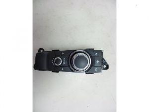 Mazda 2. Multi Media Regelunit