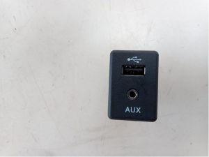 Nissan Micra AUX/USB aansluiting