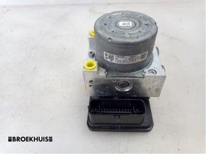 Opel Vivaro ABS Pomp