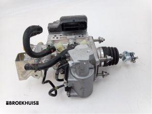 Toyota Yaris ABS Pomp