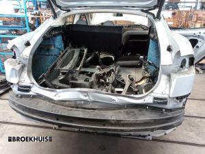 Tesla Model S Bumperbalk achter