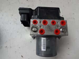 Audi Q3 ABS Pomp