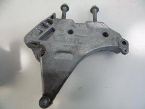 Audi A3 Motorsteun