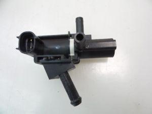 Mazda 2. Vacuum ventiel