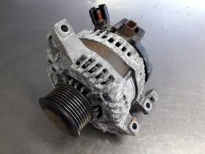 Honda CR-V Alternator