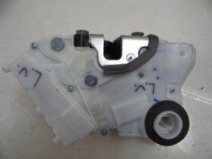 Toyota Verso-S Deurslot Mechaniek 4Deurs links-voor