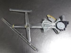 Daihatsu Materia Raammechaniek 4Deurs links-voor