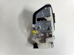 Daihatsu Cuore Deurslot Mechaniek 4Deurs links-voor
