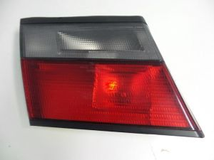 Nissan Primera Achterlicht links