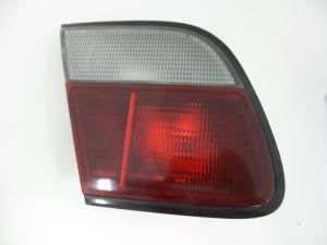 Nissan Almera Achterlicht links