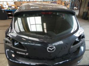 Mazda 3. Achterklep
